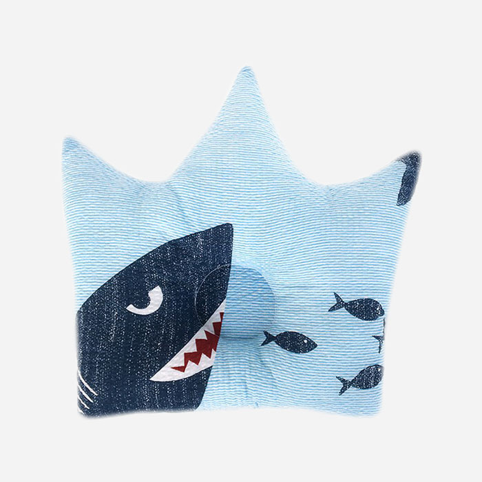 Crown Pillow – Shark
